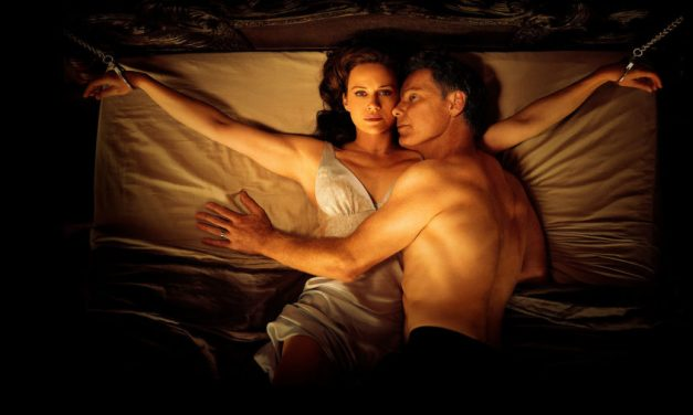 [Review] Mike Flanagan's GERALD'S GAME is a Loyal Adaptation But a Simple Film