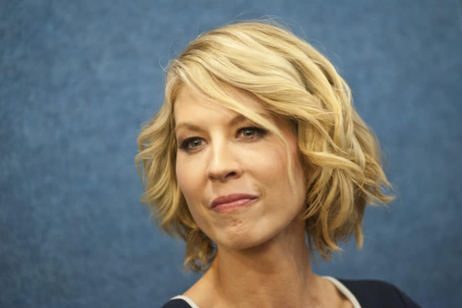 Jenna Elfman to Join FEAR THE WALKING DEAD Season 4 Cast