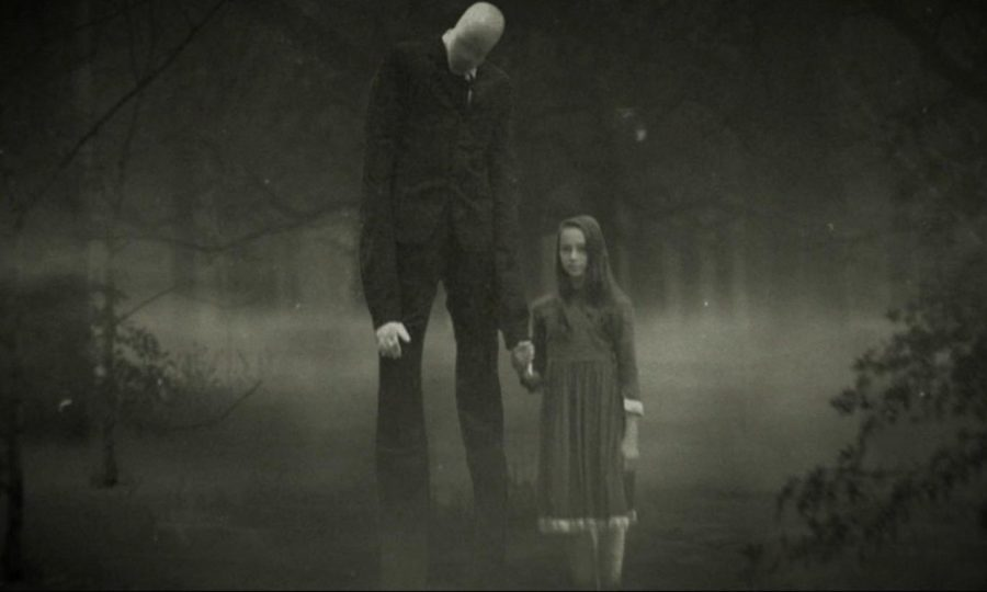 [Review] Creepypasta-Inspired SLENDER MAN Is Thin On Both Style And Substance