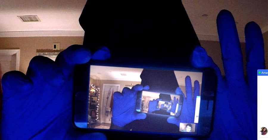 [Overlook Review] UNFRIENDED: DARK WEB Knows How to Use a Laptop Better Than I Do