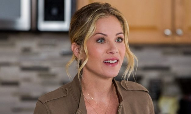 Christina Applegate Heading to Netflix in Will Ferrell Produced DEAD TO ME