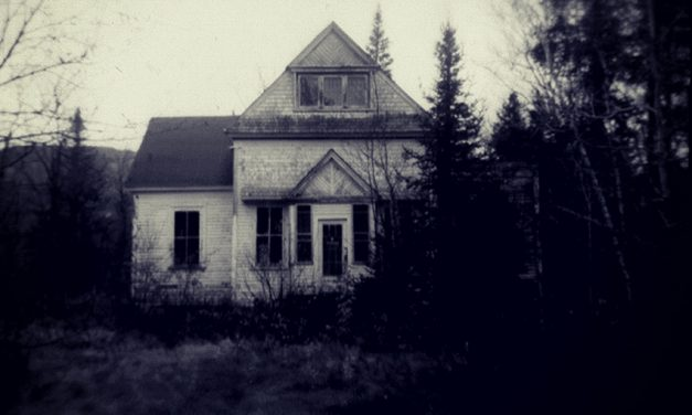 A Haunting We Will Go: North America's 10 Most Haunted Houses