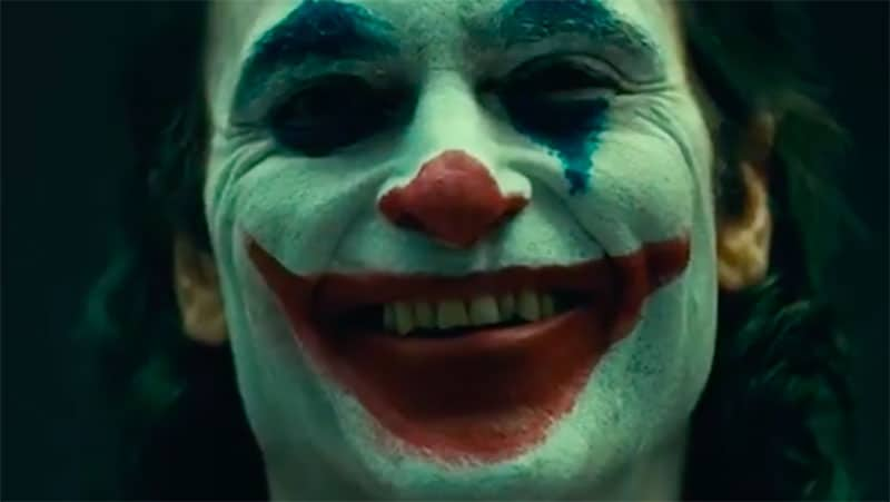 First Look: Joaquin Phoenix's JOKER Makeup Revealed!