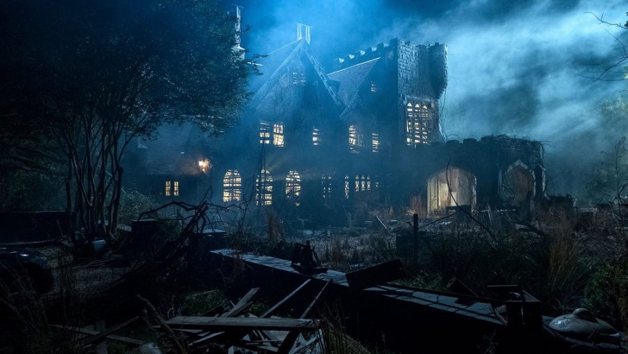 Mike Flanagan Explains The Importance Of A Good Scare in New THE HAUNTING OF HILL HOUSE Featurette