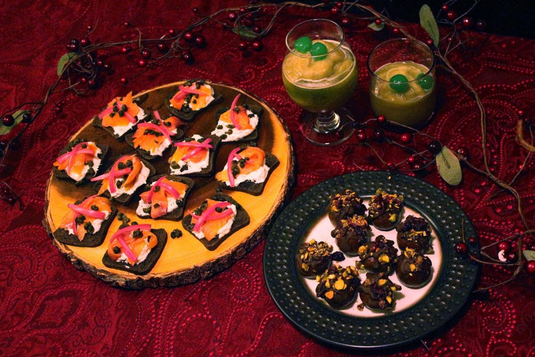 [Witchy Kitchen] A Horror Cocktail Menu for the Creepiest Christmas Party!