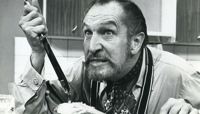 [Witchy Kitchen] Celebrate Edgar Allan Poe's Birthday with a New England Clam Chowder adapted from Vincent Price