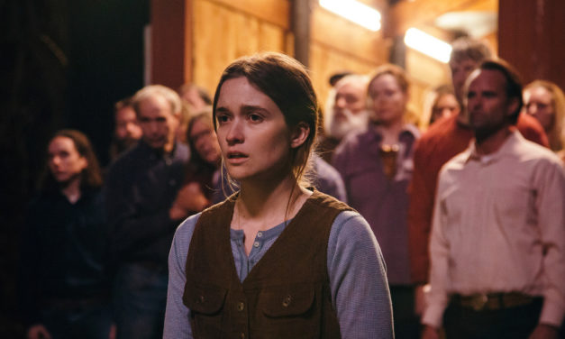 [Trailer] Cult Thriller THEM THAT FOLLOW Will Slither Under Your Skin