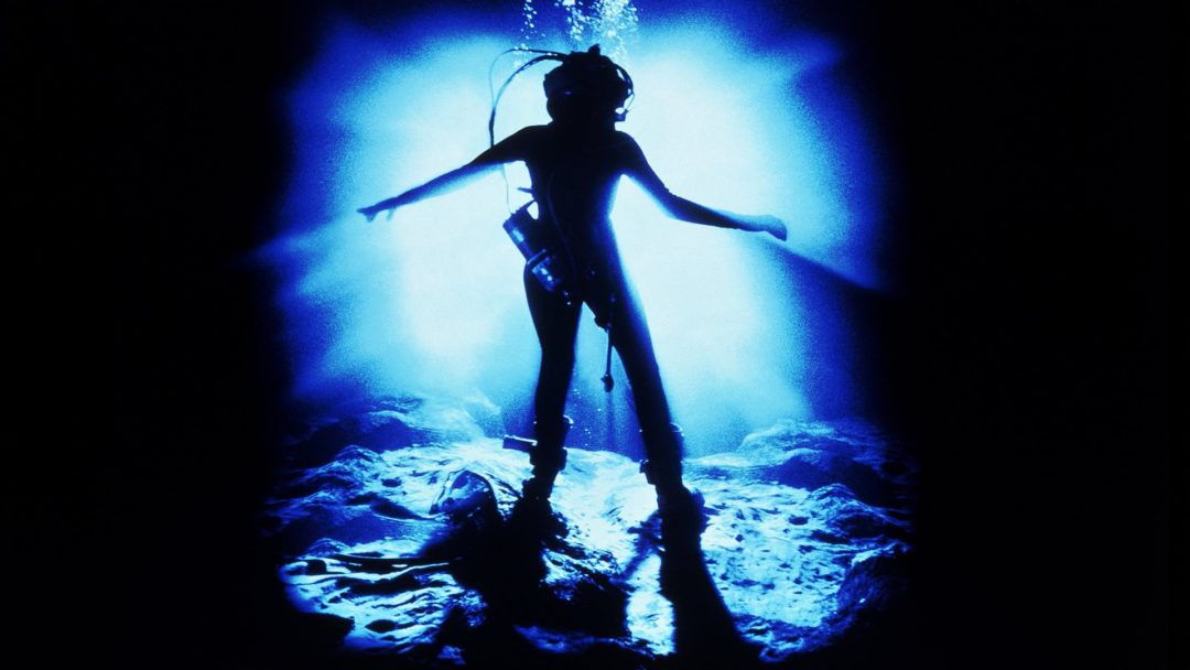 "30 Years Later, Aquatic Sci-Fi THE ABYSS Reminds Us Why James Cameron is ""King of the World."""