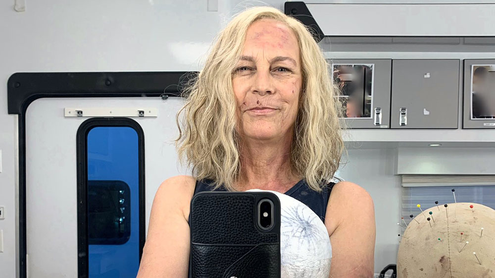HALLOWEEN KILLS: Jamie Lee Curtis Shares First In-Character BTS Picture