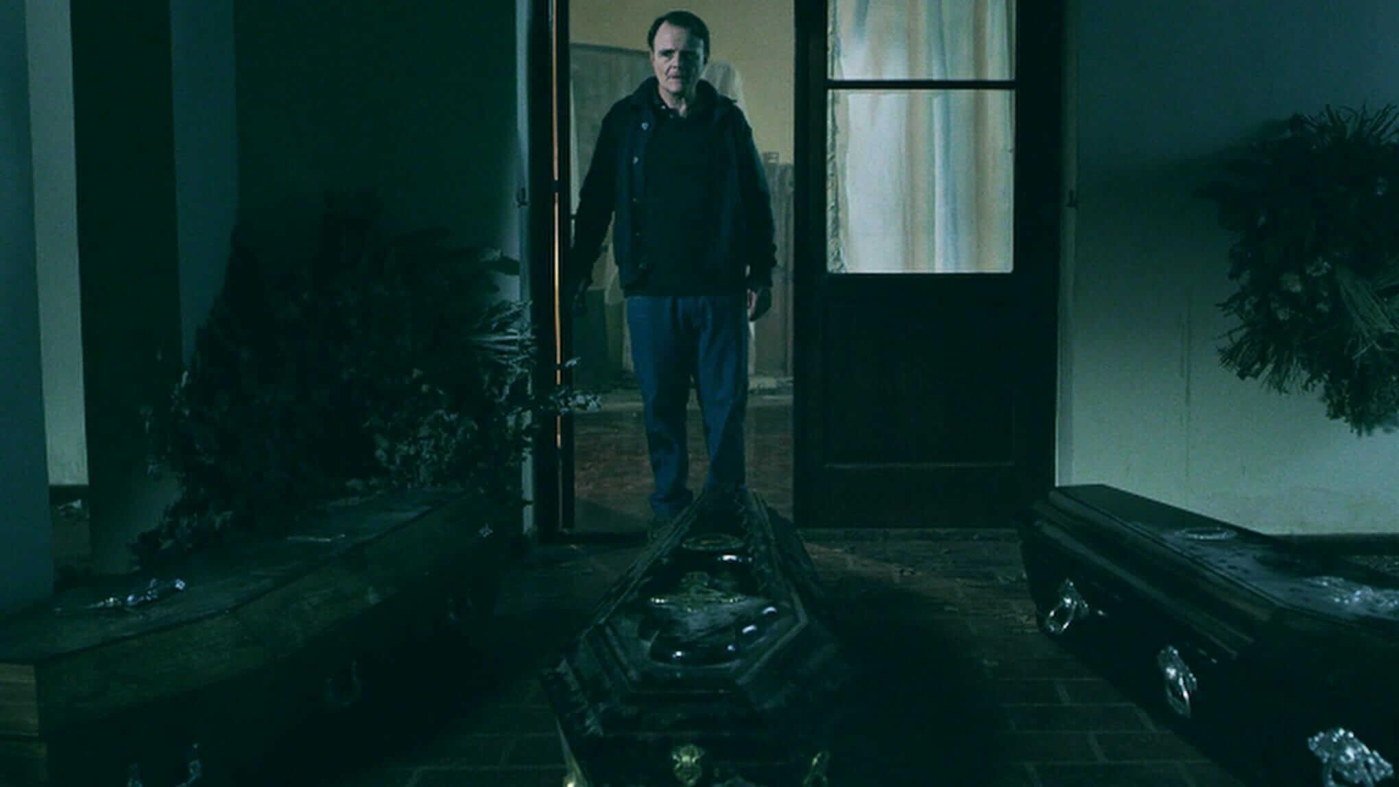 The Undertaker's Home la funeraria review horror movie fantasia 2020