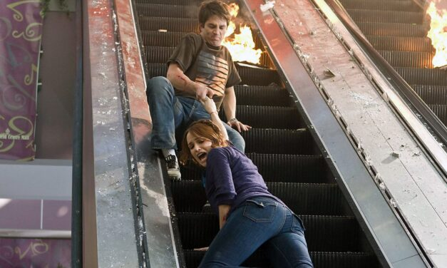 [Cutting It Close] Does THE FINAL DESTINATION Deserve to be the Franchise's Black Sheep?